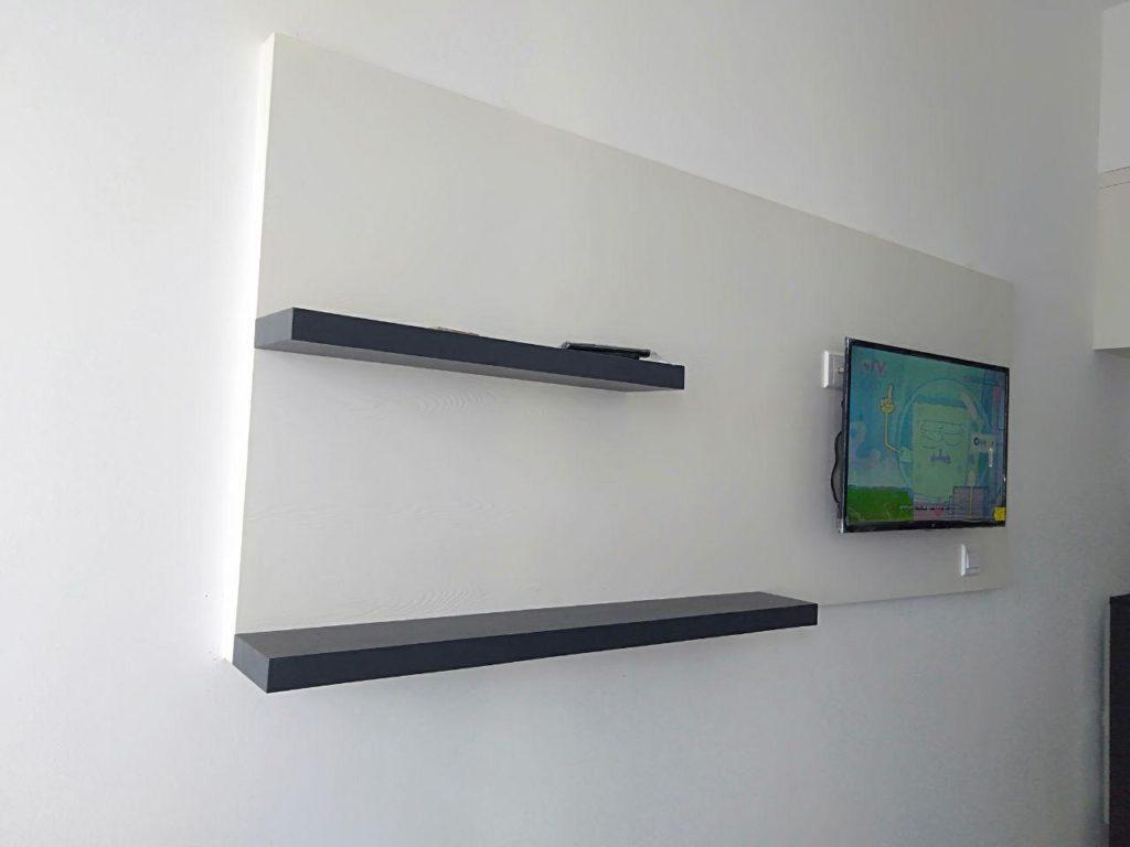 Detail Backdrop TV